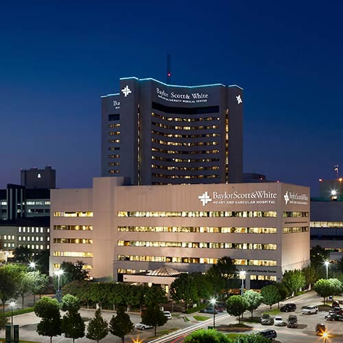 The Baylor Scott & White Heart and Vascular Hospital – Dallas building at night.